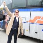 Intendant Rainer Mennicken tauft sabtours Musiktheaterbus