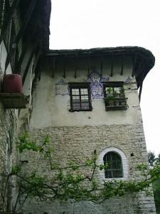 Gjirokaster,_tradicni_architektura15_-_bohaty_Vlach