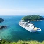 CruisesSchiff am Meer_shutterstock_213315565 (1500x1000)