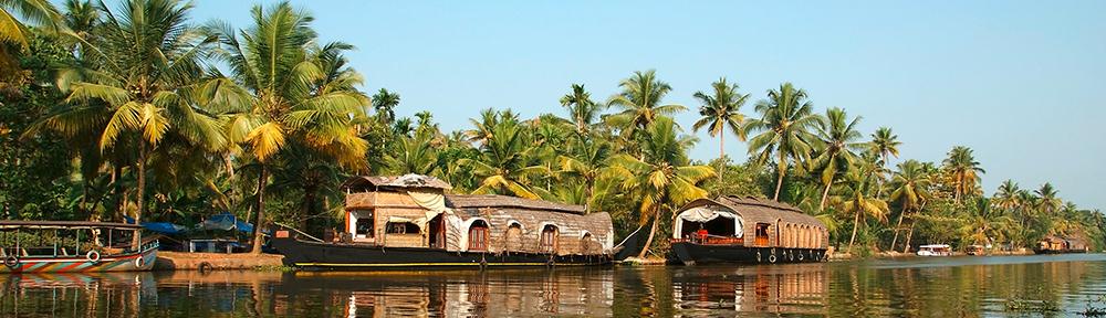 in-alleppey-hausboote-backwaters-74398663-_c_-shutterstock