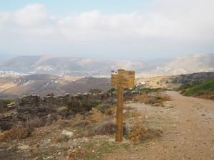 Andros verfügt über eine Vielzahl an Wanderrouten quer über die Insel