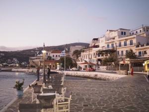 Der malerische Küstenort Batsi