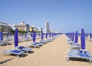 LIDO DI JESOLO - 15 Kilometer Einkaufs- und Unter-haltungsmöglichkeiten, feinster Sandstrand und die Nähe zum Ausflugs-Hit Venedig lassen die Herzen der Urlauber höher schlagen!